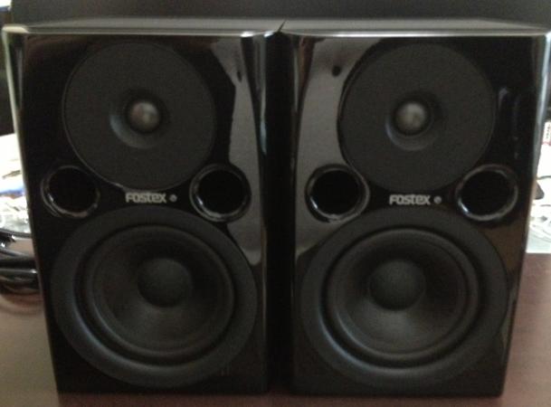 Fostex PM0.4nをお得に買うなら1本ずつ買う方がいいです。