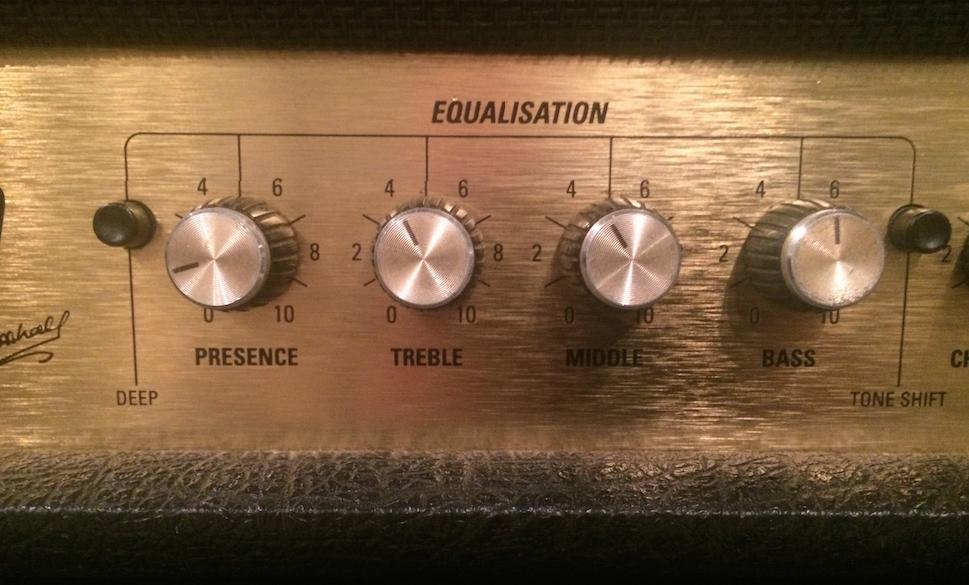 Marshall JCM2000でヌケの良い音作りを解説してくれる動画発見。