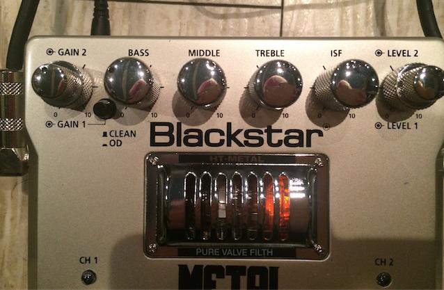 Blackstar HT-METALにブースターをかけるとノイズがひどい。
